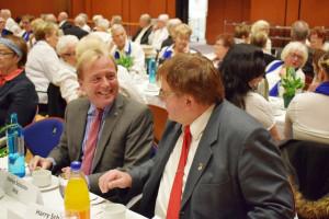 """Die Landtagsabgeordneten Stefan Schuster (links) und Harry Scheuenstuhl freuten sich über 200 Gäste: """"Großer Dank an alle haupt- und ehrenamtlich Engagierten!"""""""